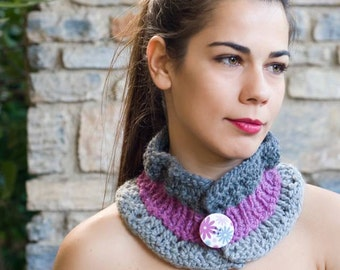 Cowl scarf girlfriend gift infinity scarf neck warmer knit scarf circle scarf button scarf winter scarf crochet scarf valentines day gift