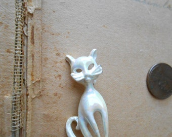 white pearly opalescent kitten cat vintage enamel brooch