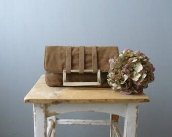 Vintage clutch. 60s flat clutch. brown metal handle purse