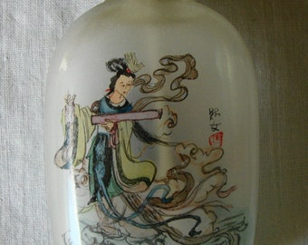 VINTAGE ASIAN SNUFF Bottle Reverse Scene 2 Scenes Hand Painted Chinese Snuff Bottle Pale Celedon Green Art Glass Bottle