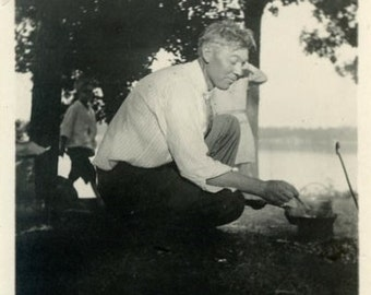 "Vintage Photo ""Cooking Beans"" Men Camping Food Snapshot Old Photo Antique Old Black & White Photograph Found Paper Ephemera Vernacular - 134"