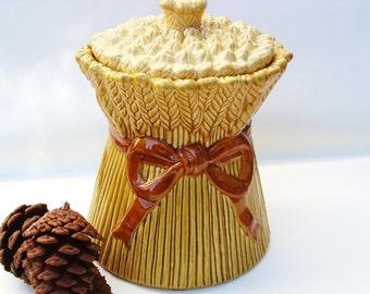 Vintage Cookie Jar, Metlox Poppytrail, Large Biscuit Jar, California Pottery, Wheat Sheaf, Farmhouse Decor