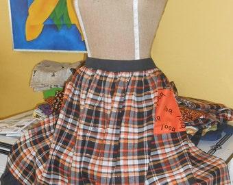 HOLIDAY APRON - Cute Halloween Hostess Apron, Size XL - B00!