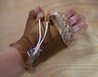 Womens lambskin leather fingerless gloves Brown with white closure