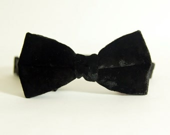 Black Crushed Velvet Bow Tie