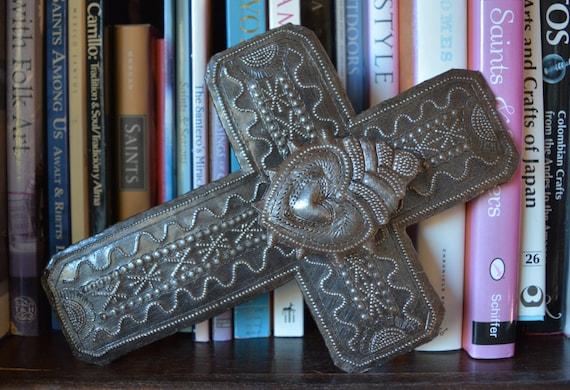 "Metal Cross With raised Center Milagro Heart, Detailed Hammering Work, Veve Freda, Spirituality & Religion 6 1/2"" x 9"""