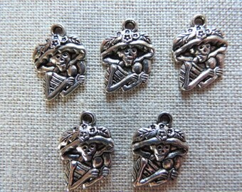 Skeleton Charms x 5.  Mexican Skeleton.  Day Of The Dead. Tibetan Silver Tone. UK Seller