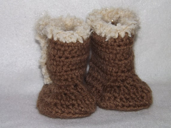 Crochet UGGS style baby booties by NutHouseKnots on Etsy