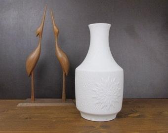 Weiße Bisquit Vase Model 1106/Bisque Vase model 1106 | Jaeger&Co