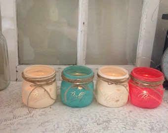 Annie Sloan chalked painted mason jars. Ideal for vases, center pieces, or home decor