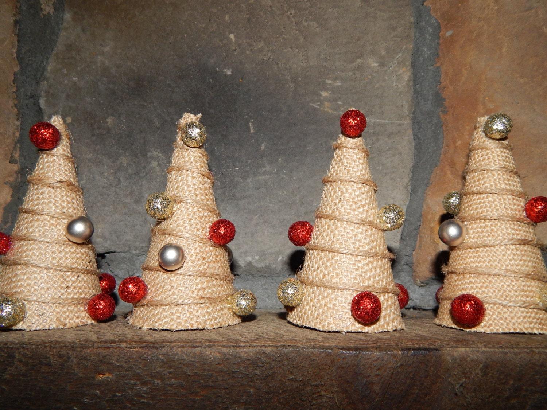 Rustic christmas decor burlap christmas by makinglifememorable for Burlap christmas curtains