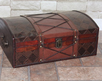 Handcrafted faux leather and wooden treasure chest, like the old pirtes