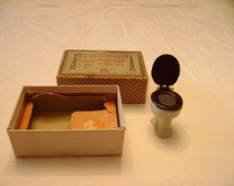 1924 Tootsie Toy Doll House Toilet in box