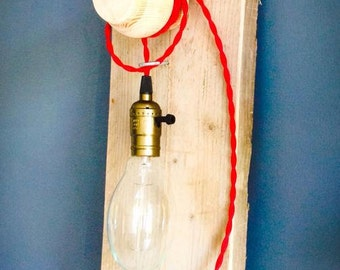 Handmade design lamp with strijkbout cord. Vintage industrial.