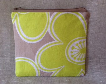 Square zippered pouch / Cosmetic bag / Organizer