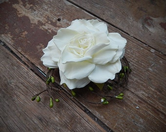 hair clip with roses and branches