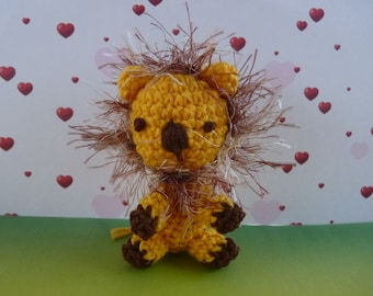 Crochet lion amigurumi keychain