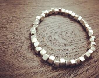 Silver beaded elastic bracelet