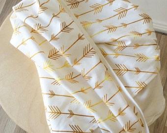 Gold arrow baby wrap. Baby swaddle. Organic cotton wrap. Nursery wrap.