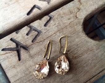 Swarovski tear drop earrings, sparkling in Light Silk