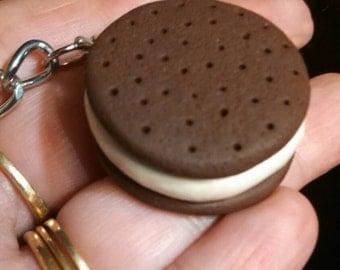 Round ice cream sandwich keychain