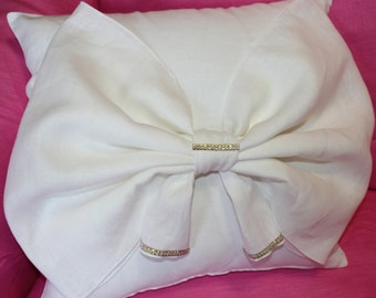 linen pillow  with a bow