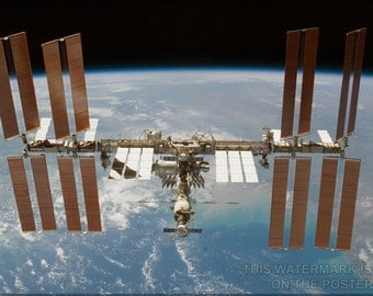 24x36 Poster; International Space Station P2