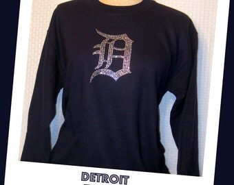 """Sweatshirt - Detroit Tigers (Navy) with Crystal Engish """"D"""" in Crystals"""