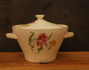 Elegant French porcelain soup tureen, white with flowers and gilt trim, circa 1960