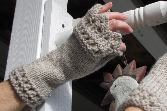 Knitting Pattern Lace Mitts, Fingerless Gloves Pattern, Texting gloves Patter...