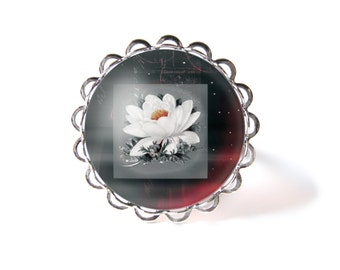 Mystical flower ring