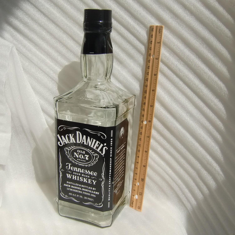 large jack daniels empty old no 7 bottle upcycle mancave lamp. Black Bedroom Furniture Sets. Home Design Ideas
