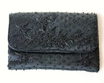 SALE 20% OFF Vintage beaded clutch purse - 1950s