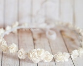 White cream rose flower crown, Flower crown, Wedding floral Crown, Bridal headband, Wedding accesories, Rustic wedding hair accessories