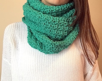 Infinity Scarf // Kelly Green Crocheted Infinity Scarf