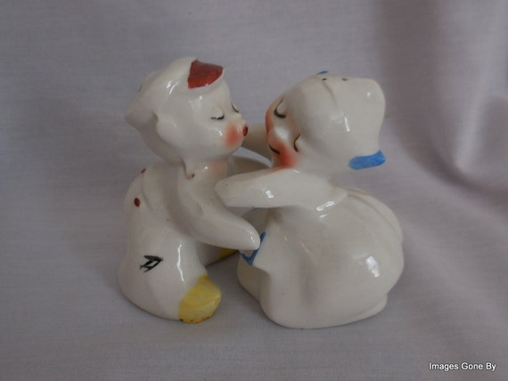 Vintage van tellingen snuggle hug dutch boy by imagesgonebyagain - Salt and pepper hug ...