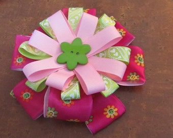 Green Flower button center loopy hairbow