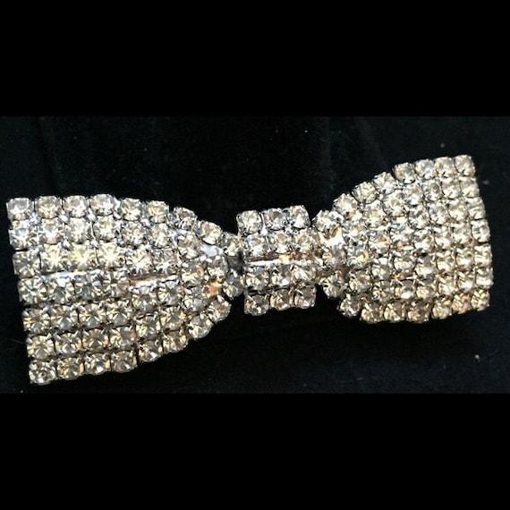 stunning vintage rhinestone bow tie brooch by vintbijoux