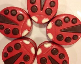 6 Ladybug Chocolate Dipped Oreo Cookies: