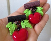 Retro Handmade Cherry Novelty Brooch - Charms Resin Pendants Cherries - Vintage Retro 40s 50s Bakelite Inspired - Pin Up Rockabilly VLV