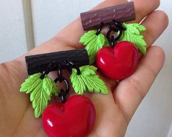 Retro Handmade Cherry Novelty Brooch - Charms Resin Pendants Cherries - Vintage Retro 40s 50s Bakelite Inspired - Pin Up Rockabilly VLV