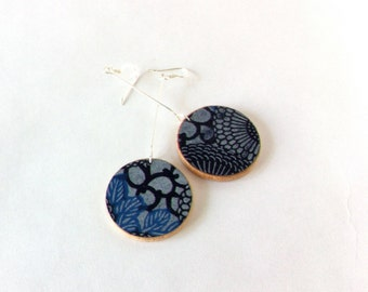 Blue Feather Yuzen Paper on Wood Circle Disks Earrings // niceLena