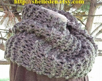 Back by popular demand PDF EASY Knitting Pattern for Bulky Cowl Knit on straight needles