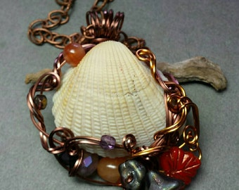 Electric Sea Shell Necklace