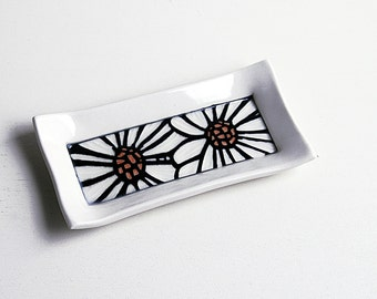 Butter Dish with Sgraffito Carved Flower Design