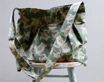 Green Sea Turtle Diaper Bag - Six pockets - Key Fob - Adjustable Strap