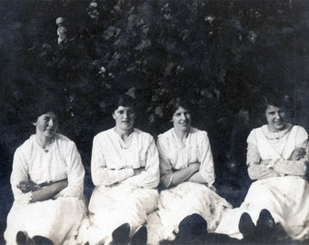 vintage photo 1920 4 Young Women All Arms Crossed Sit in Defiance