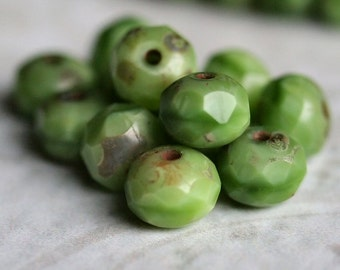 Czech Mantis Green Glass Bead 6x4mm Faceted Rondelle : 12 pc