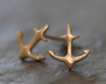 Anchor Stud Earrings in 10K Gold