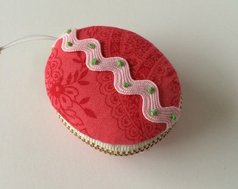 Small Oval Pouch (pink)